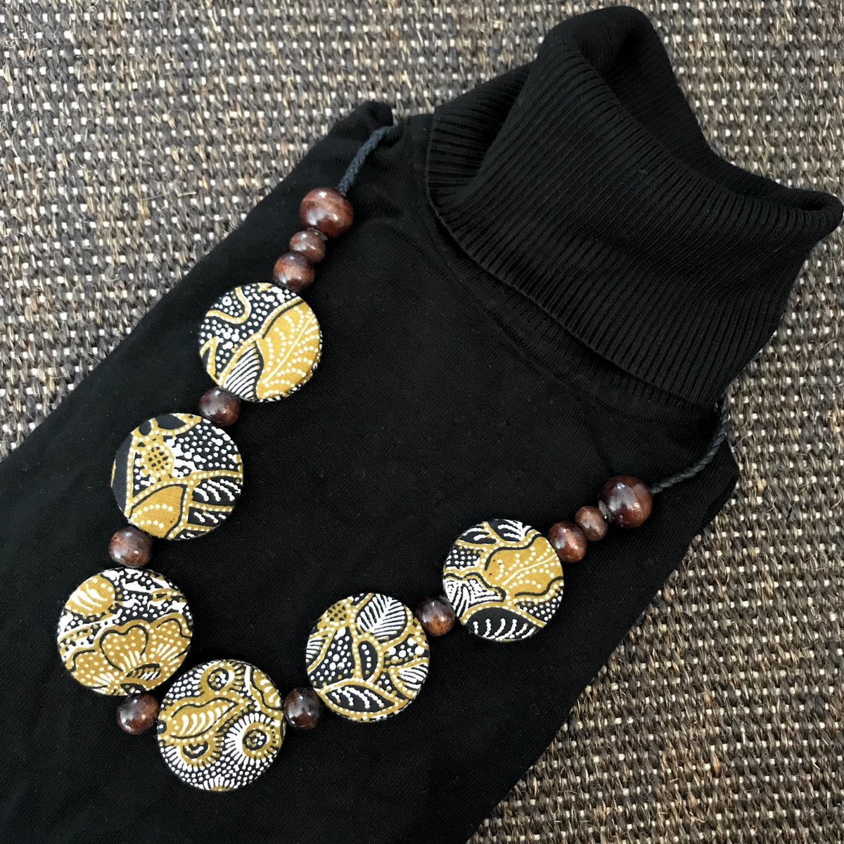 Asri batik necklace