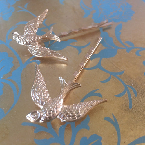 Gold swallow hairpin