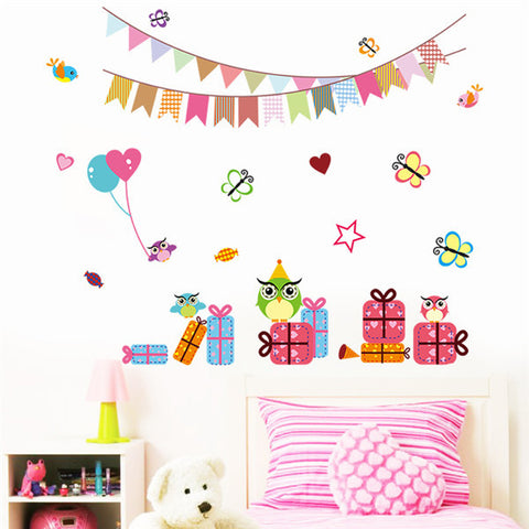 Animal Wall Stickers Kids Bedrooms Lovely Decor Childrens Day Kindergarten Gift Kids Room Colored Flags Cartoon Wallpaper