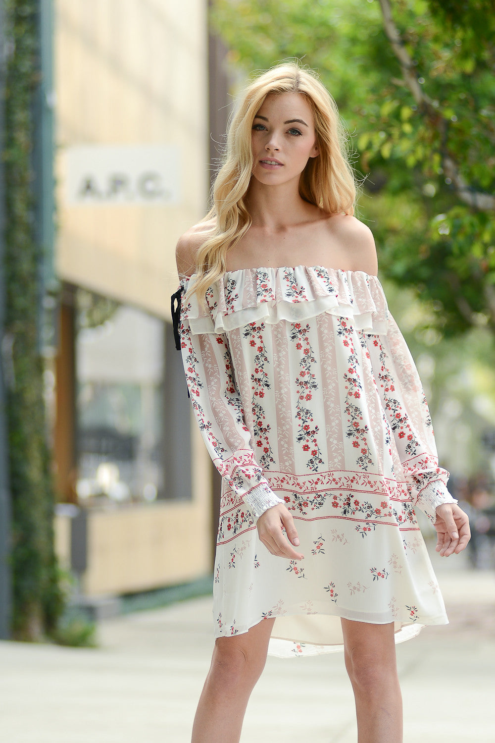 44c01355cf56a3 A FLORAL PRINT OFF SHOULDER DRESS is always a hassle free choice