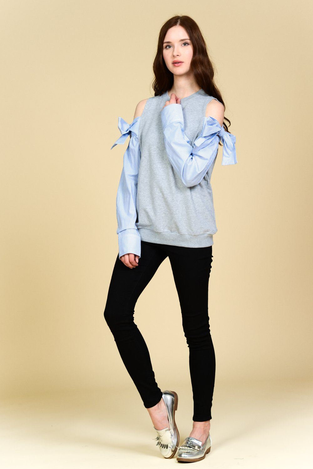 Cold Shoulder Side Ribbon Sweatshirt