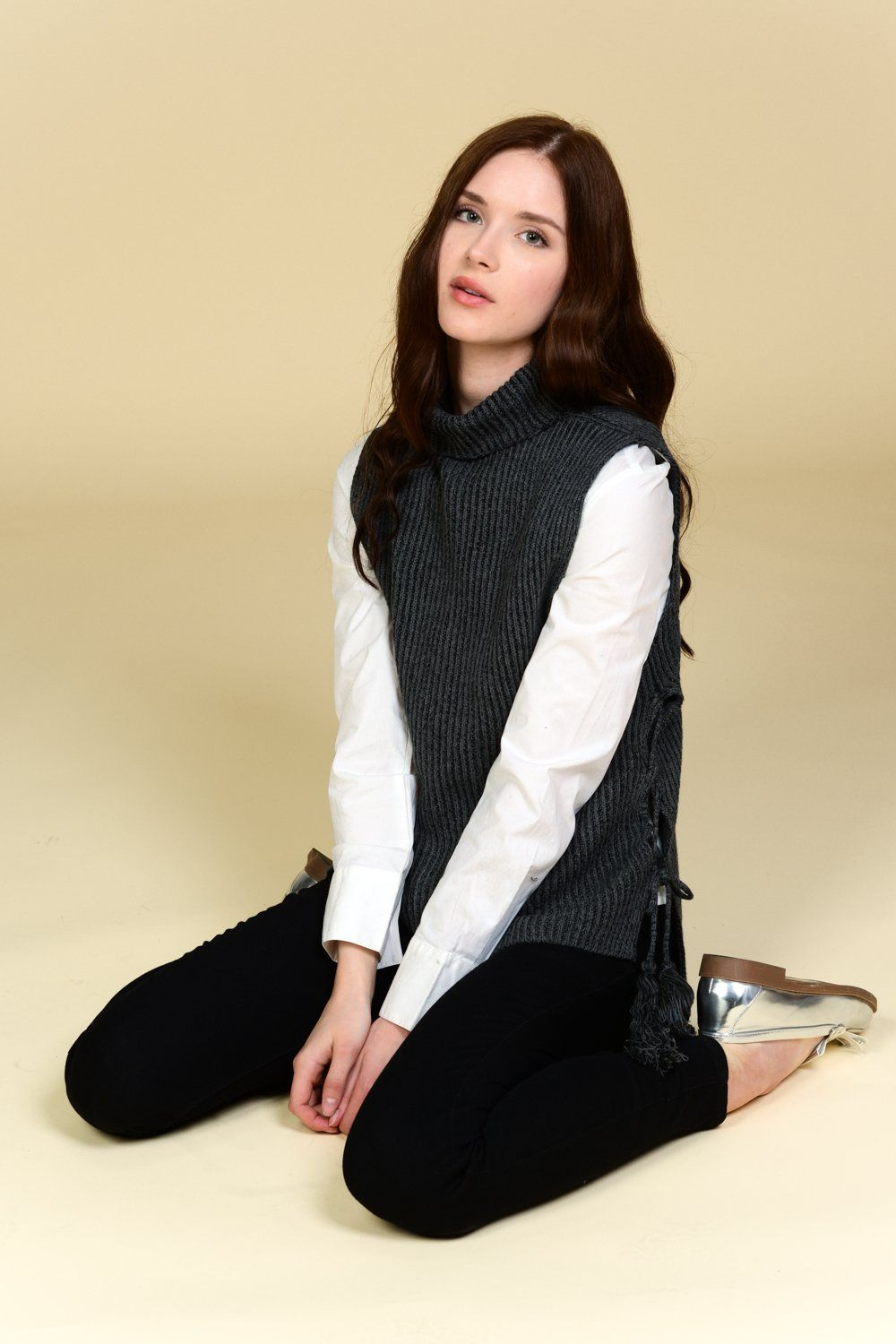 Side-Tie Turtle Neck Knit Vest