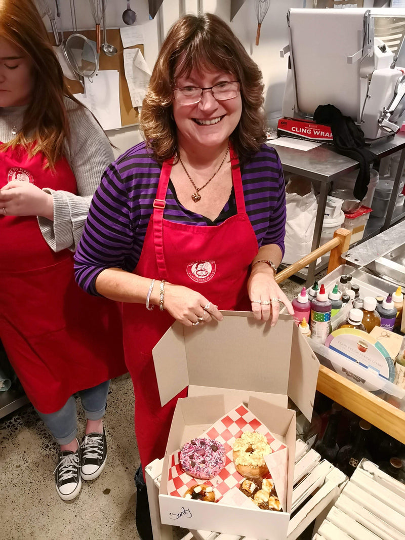 The_Pie_Piper Doornuts Adult Donut Decorating Class 101