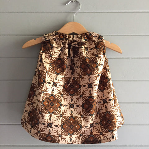 Batik Easy Top, Brown Star