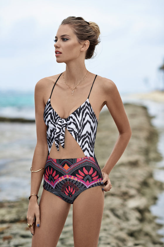 Pluma Luna One Piece