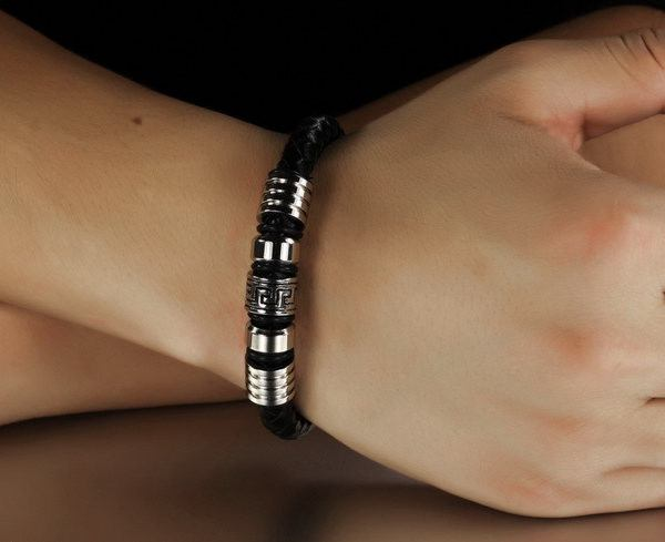 18.5cm 22cm Black Braided Leather The Great Wall Pattern Bracelet  For Men