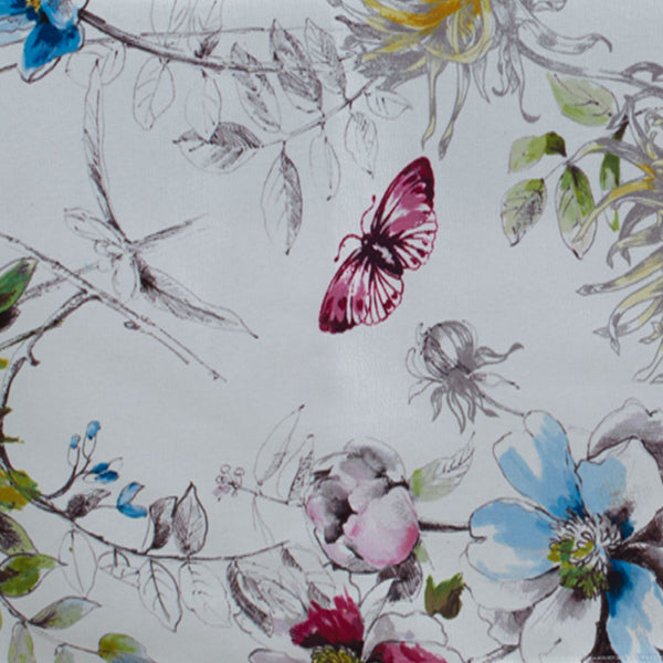 Closeup of Blooming Floral Indoor/Outdoor Spill-proof Fabric Tablecloth