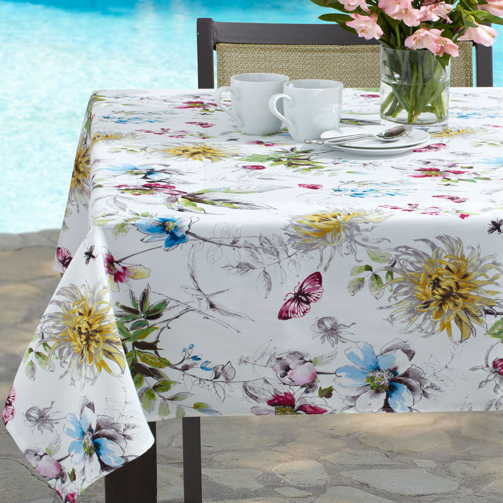 Blooming Floral Indoor/Outdoor Spill-proof Tablecloth/ Benson Mills