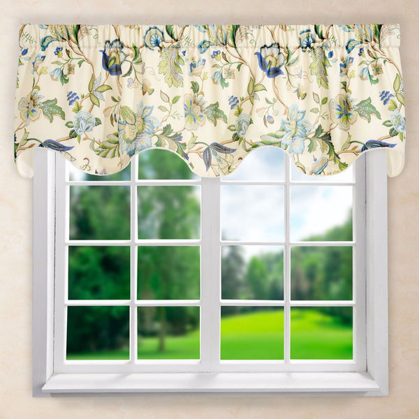 Brissac Lined Scalloped Valance hanging on a curtain rod