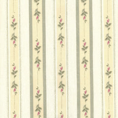 Cynthia-Stripe-Scalloped-Valance-Green-Zoom