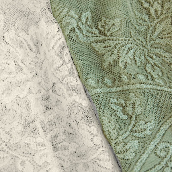 Gala-Lace-String-Panel-Zoom