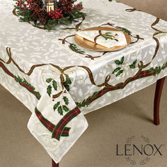 Holiday-Nouveau-Fabric-Tablecloth-Zoom