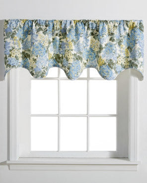 Hydrangea-Lined-Scalloped-Valance