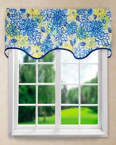 Matisse Wave Valance hanging on s curtain rod