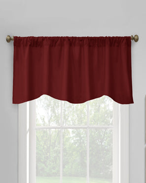 Thermalogic Prescott Insulated Scalloped Valance hanging on a decorative rod