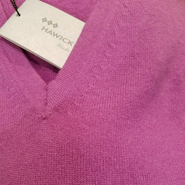 fuchsia cashmere v-neck sweater, made in Scotland, unisex
