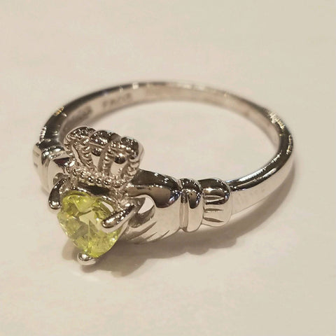 sterling silver Irish claddagh ring with Peridot