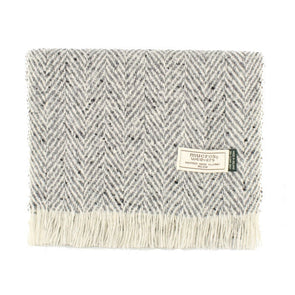 wool & cashmere herringbone tweed scarf in grey & white