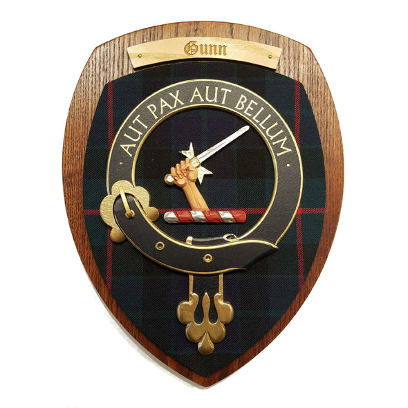 wooden wall plaque with Gunn family crest & tartan