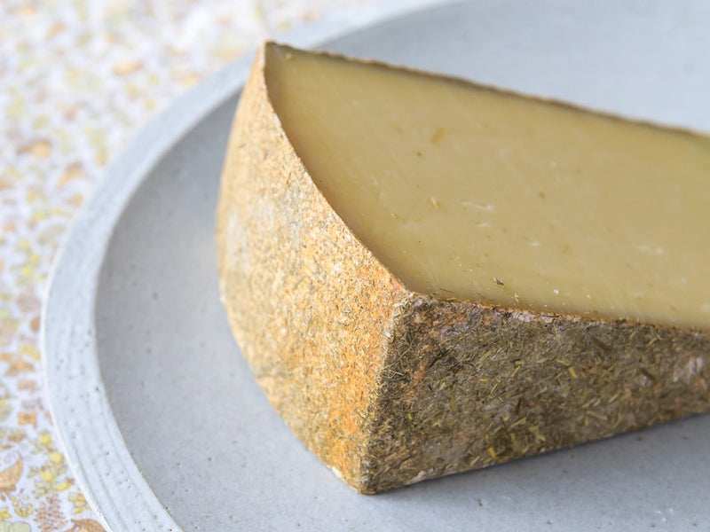 Calderwood Cheese - A Behind The Scenes Tour of the Making of a Saxelby Cheesemongers Exclusive