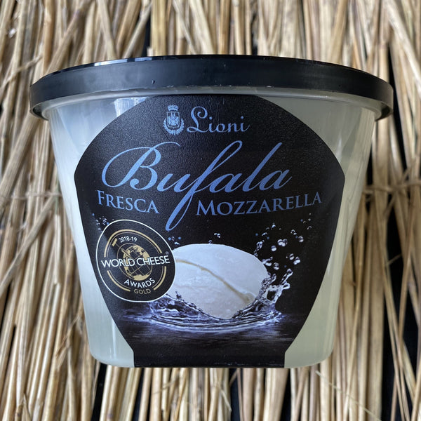 Lioni bufala fresca - fresh buffalo milk mozzarella style cheese