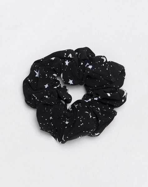 Scrunchie in Astro Black by Motel