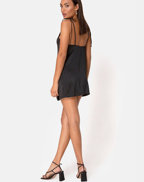 Doella Dress in Satin Black