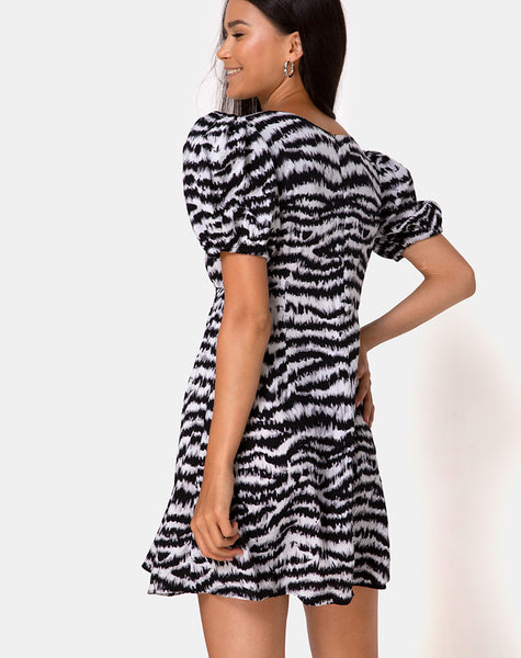 Elcia Dress in Animal Drip Grey by Motel