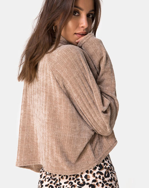Evie Cropped Sweatshirt in Chenille Tan by Motel
