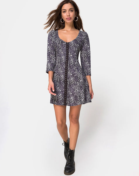 Camisa Dress in Grey Rar Leopard By Motel