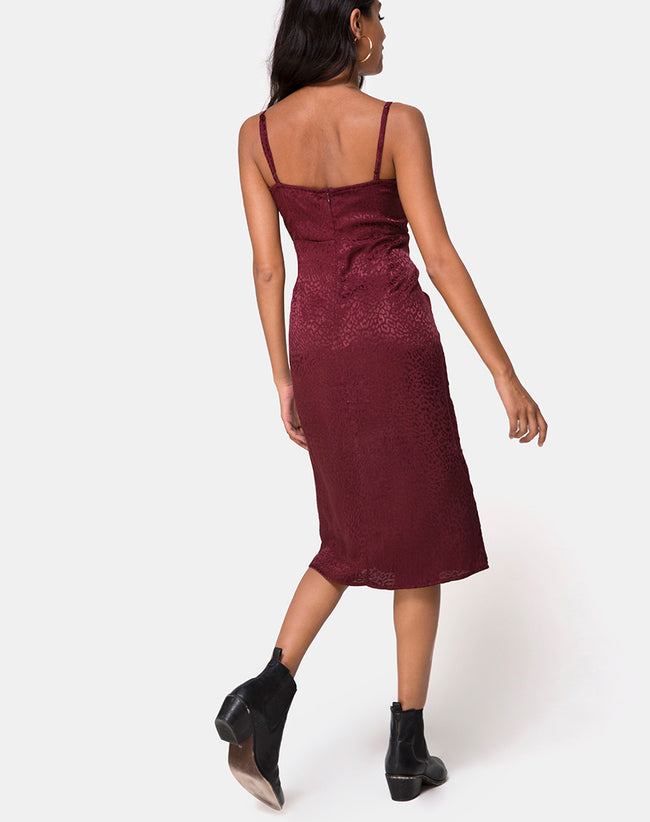 Kaoya Midi Dress in Satin Cheetah Burgundy by Motel