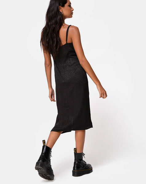 Kaoya Midi Dress in Satin Cheetah Black by Motel