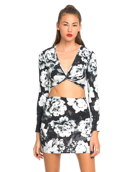 Motel Kira Twist Front Crop in Tonal Floral Black White