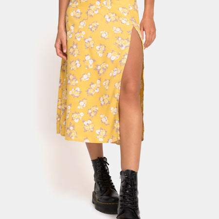 Saika Midi Skirt in Rose Bunch Yellow