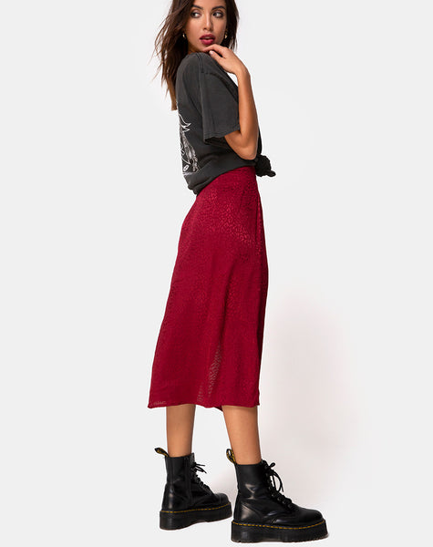 Saika Midi Skirt in Satin Cheetah Raspberry by Motel