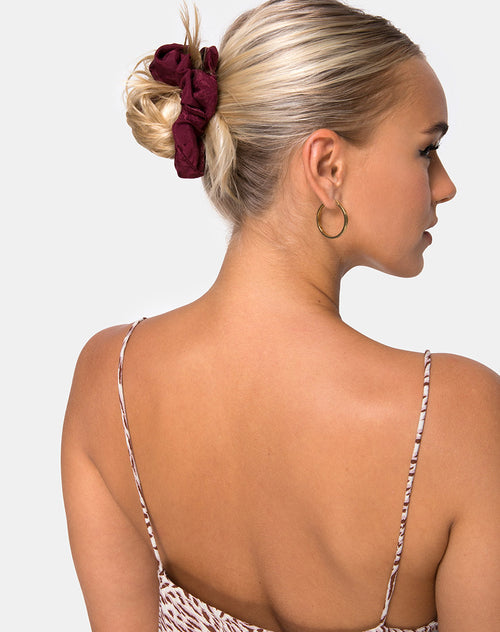 Scrunchie in Satin Rose Burgundy by Motel