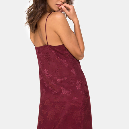 Senia Dress in Satin Rose Burgundy by Motel