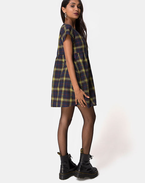 Skibbie Dress In Plain Brown Yellow Check by Motel
