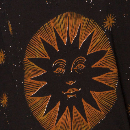Sunny Kiss Tee in Celestial Black Placement