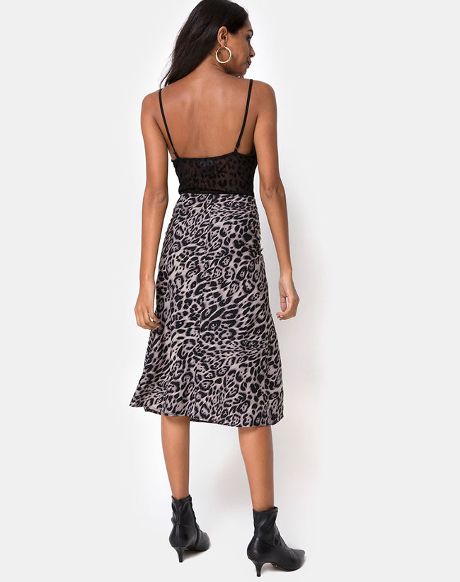 Tauri Midi Skirt in Leopard Grey by Motel