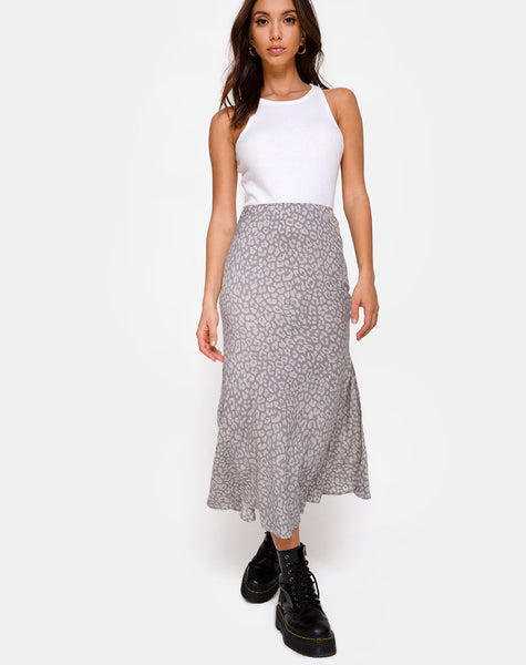 Tindra Midi Skirt in Leopard Daze Grey by Motel