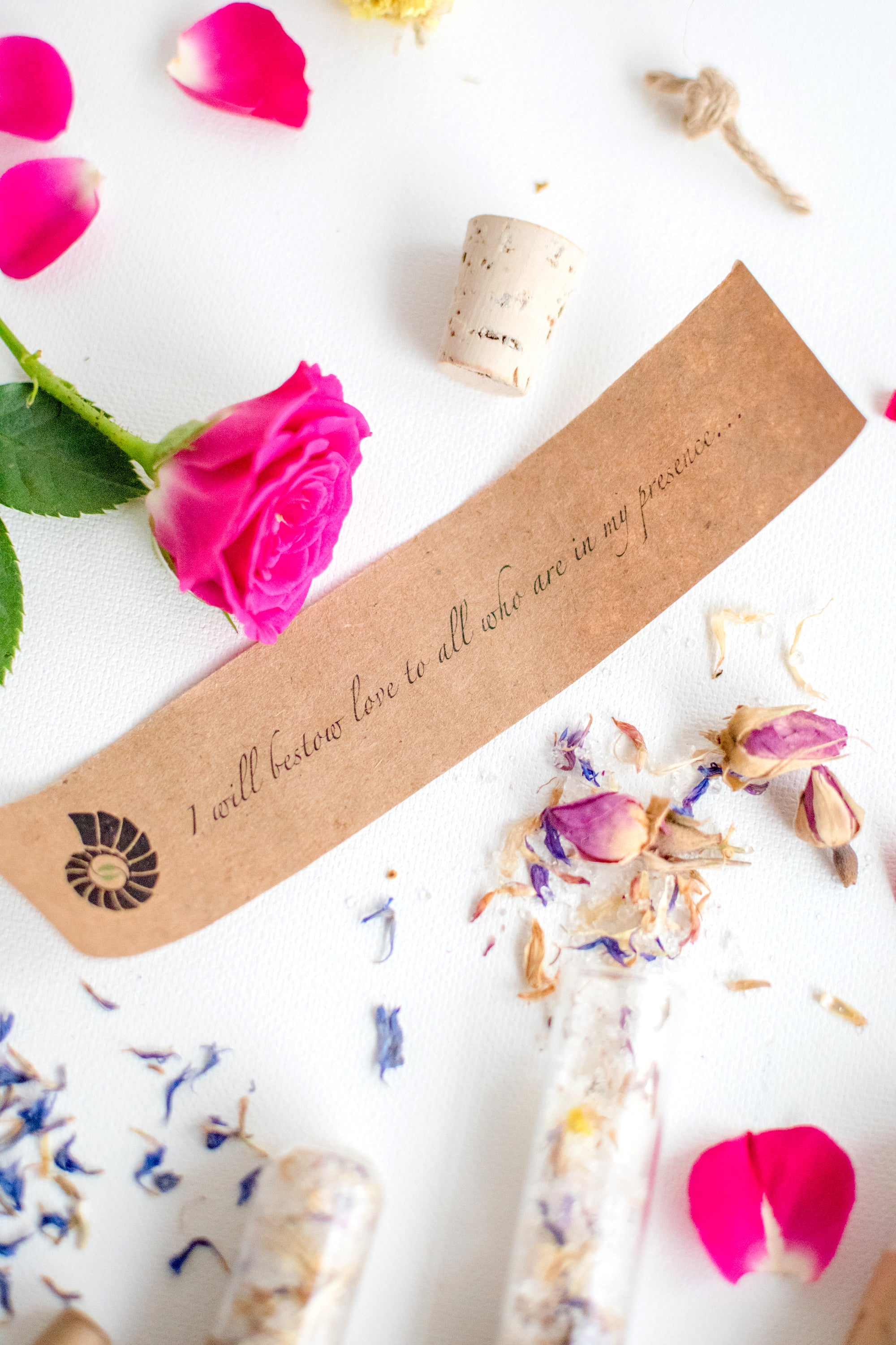 Truly Aesthetic Bestow Floral Petite Bath Affirmations Bath Salts and Positive Affirmation Close Up