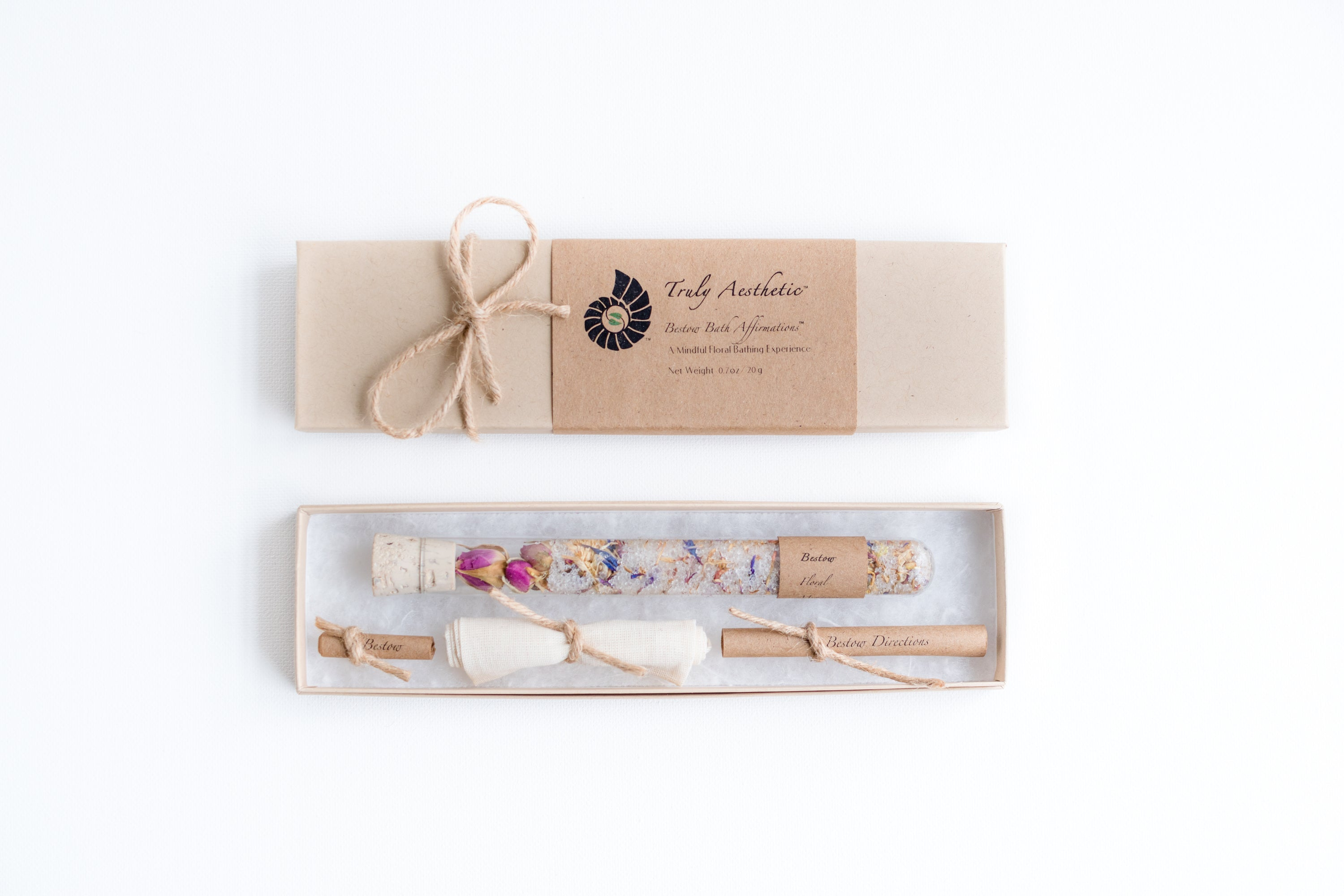 Truly Aesthetic Bestow Floral Petite Bath Affirmations Bath Salts Gift Box Set Packaging