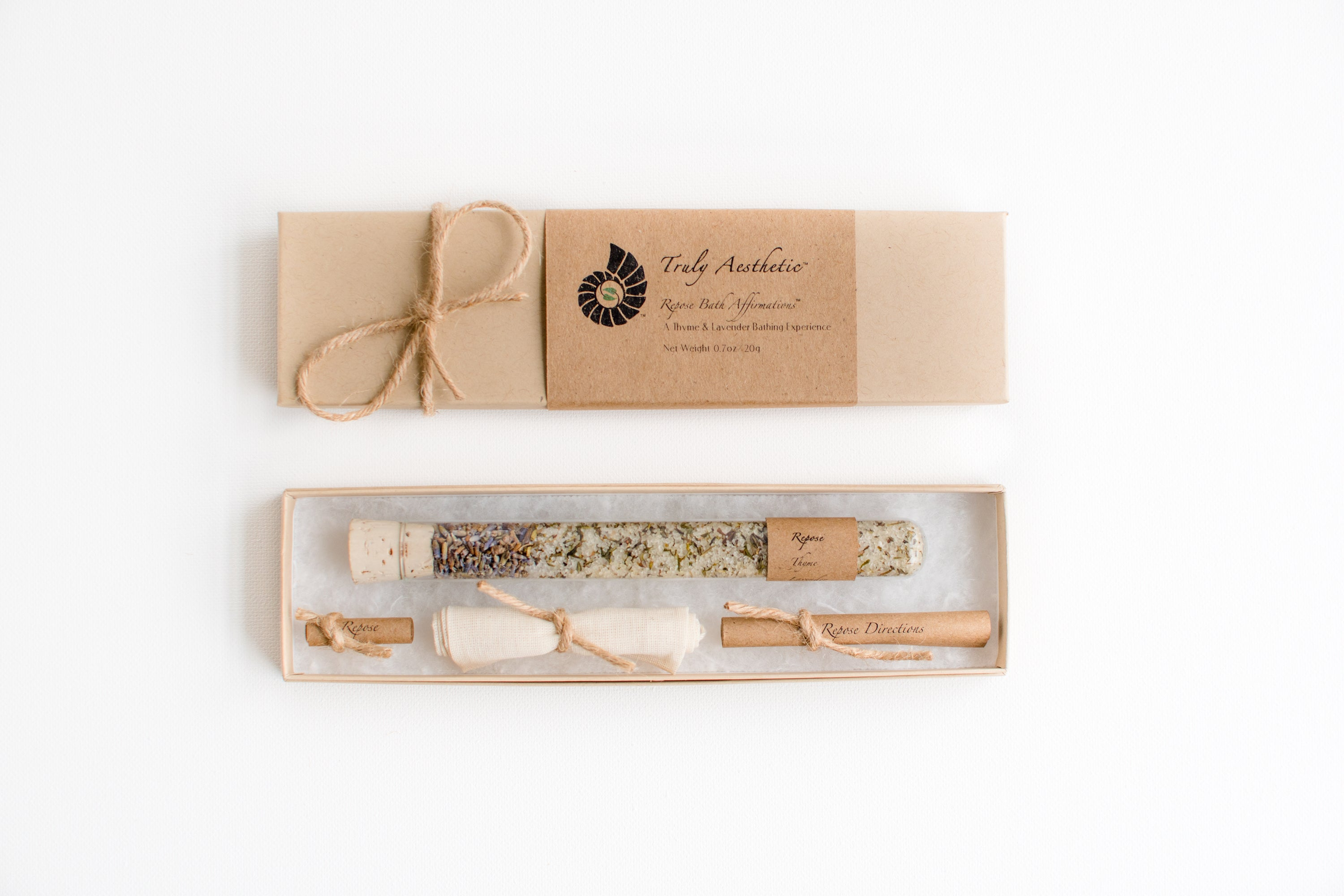 Truly Aesthetic Repose Thyme Lavender Petite Bath Affirmations Bath Salts Gift Box Set Packaging