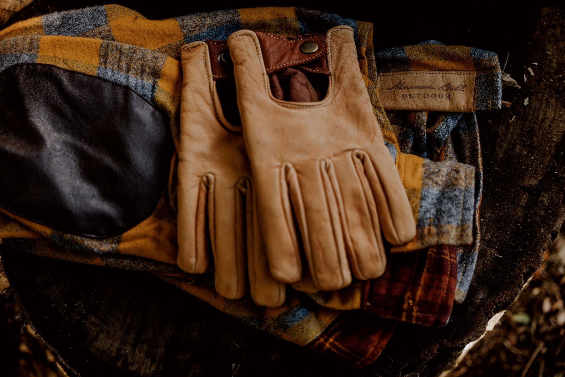 Buffalo Leather Gloves and Flannel