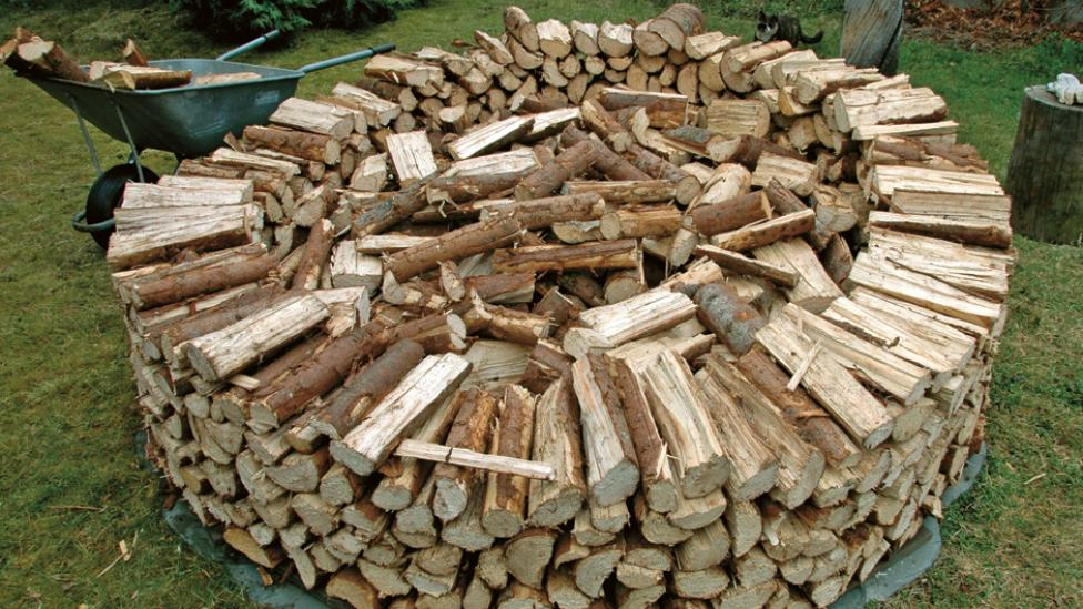The Best Way To Stack Firewood Canadian Or Scandinavian