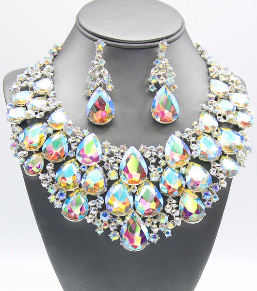 Terri Statement Crystal Collar