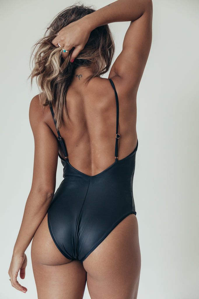 joni one piece in onyx
