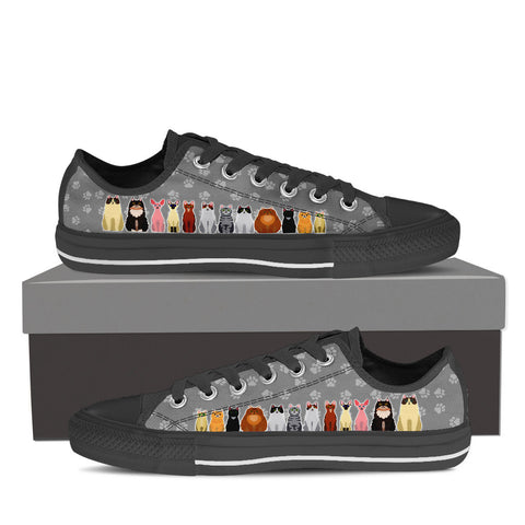 Women's Cartoon Cats Custom Designed Low Top Canvas Shoes In Black
