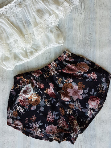 Blossom Shorts - Black/Blush